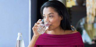 lười uống nước