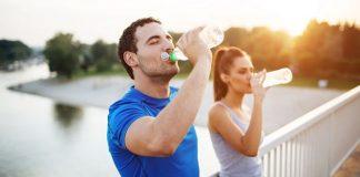 uống nước hàng ngày