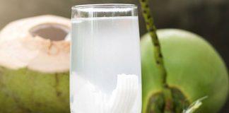 uống nước dừa hàng ngày