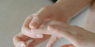 dấu hiệu móng tay