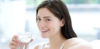 uống nước khi bụng đói
